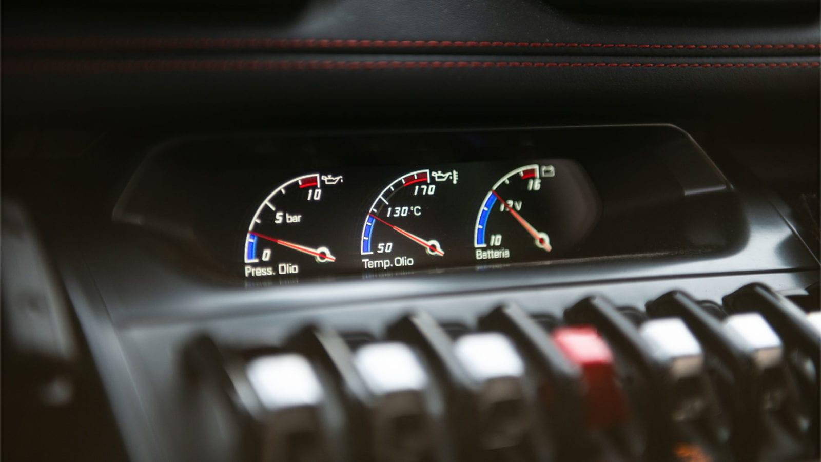 Lamborghini Huracan gauges