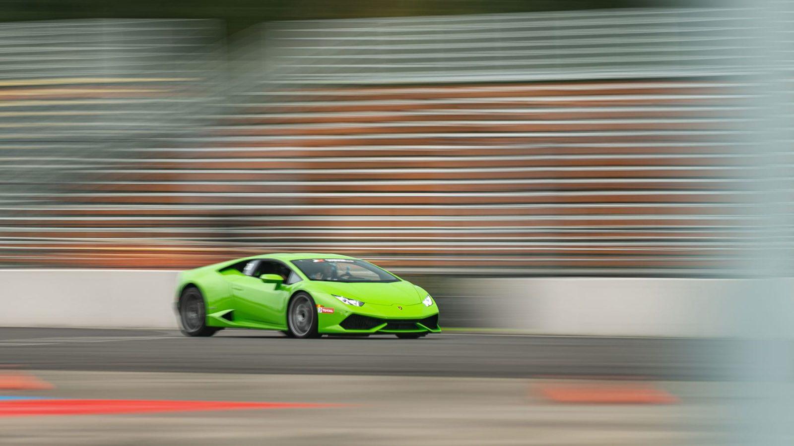 Lamborghini Huracan in green